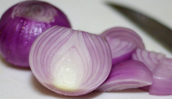 Picture of sliced onions